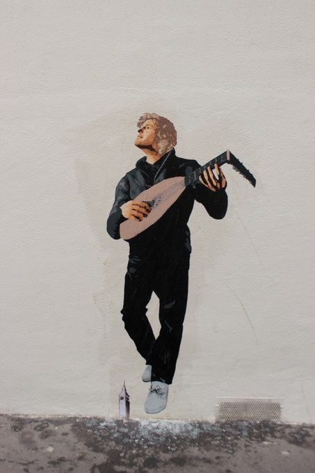 Big ben street art - serenade II-2017