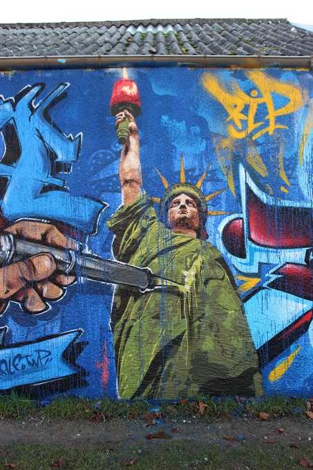 big ben srteet art - le mur 690 C 2015