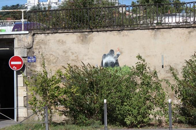 big ben street art - le gorille B 2016
