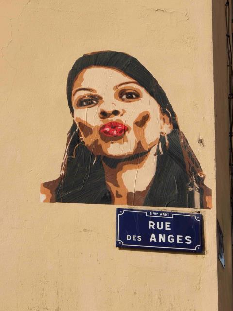 bigbenstreetart -kiss rue des anges