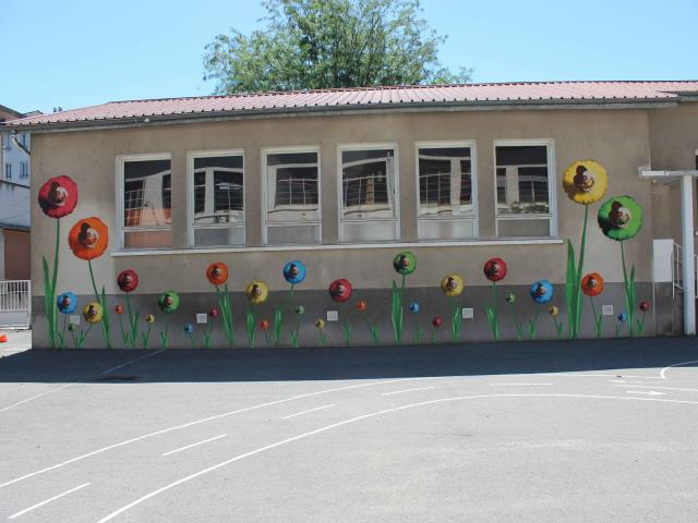 bigbenstreetart - mur fleur danse